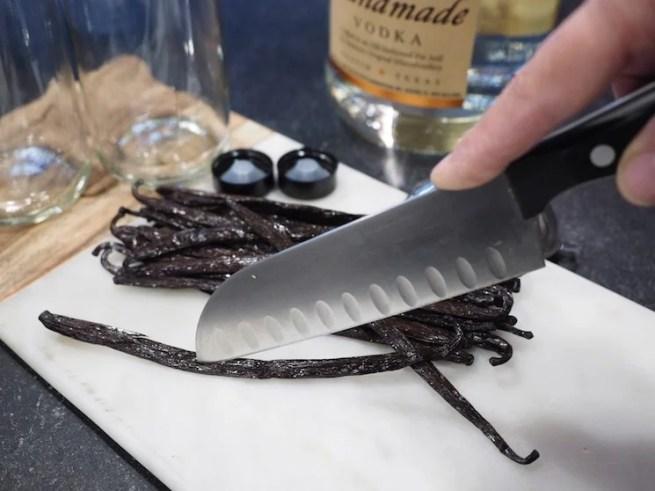 Homemade Vanilla Extract www.thefreshcooky.com