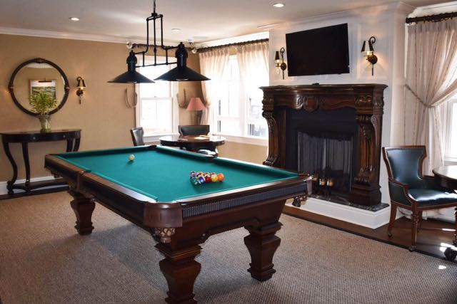 tall tales, saybrook point inn, old saybrook, ct, billiard room