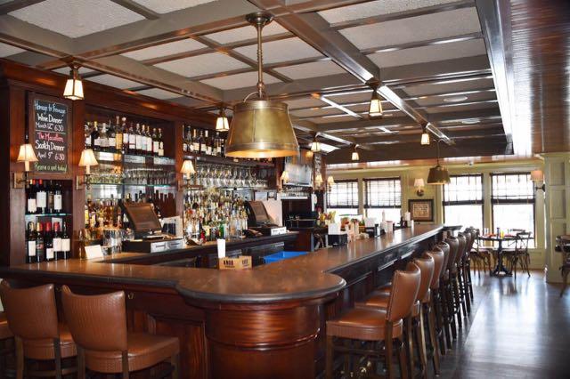 bar, fresh salt, saybrook point inn, old saybrook, ct