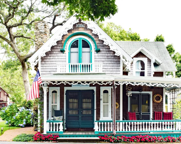 The Gingerbread Houses On Martha S Vineyard The Front