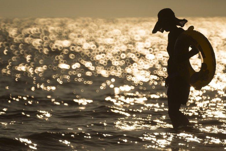 water-lake-shadow-
