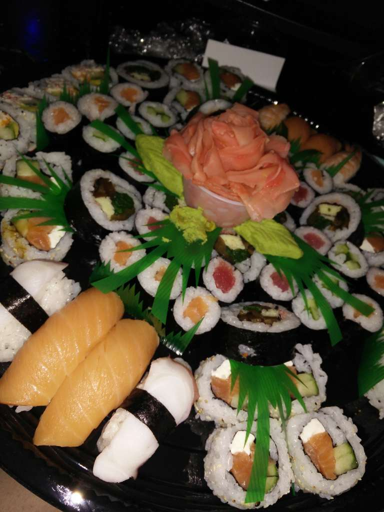 central-market-sushi-plate
