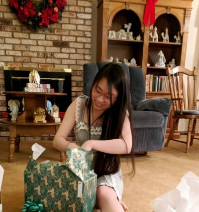 fatty-opening-presents