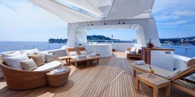 inside-yacht-look