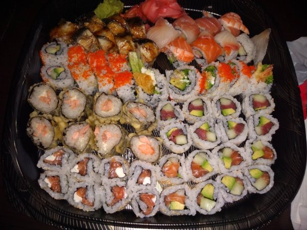midnight-sushi-platter