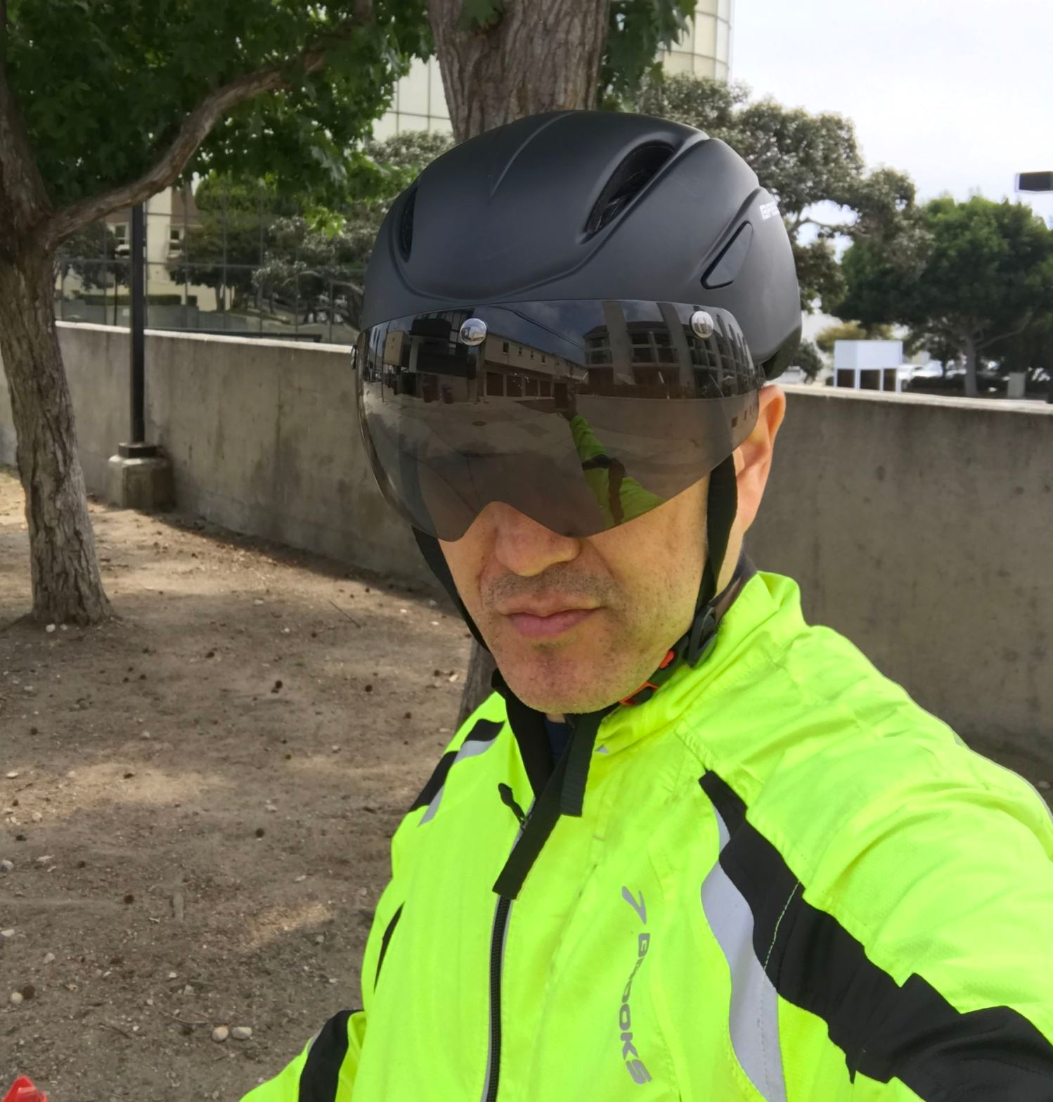 853e115ae28 Review: The Base Camp Zoom Cycling Bike Helmet – Future Cool or ...