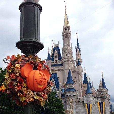pumpkin mickey magic kingdom