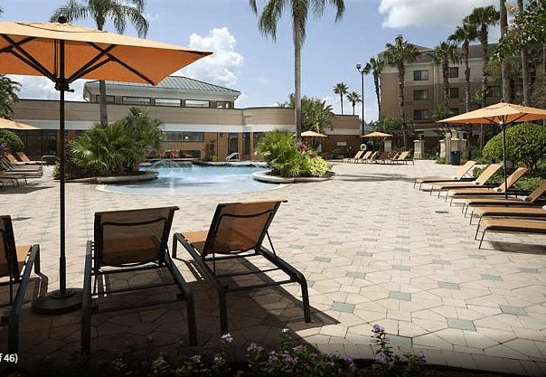 lake buena vista hotel pool
