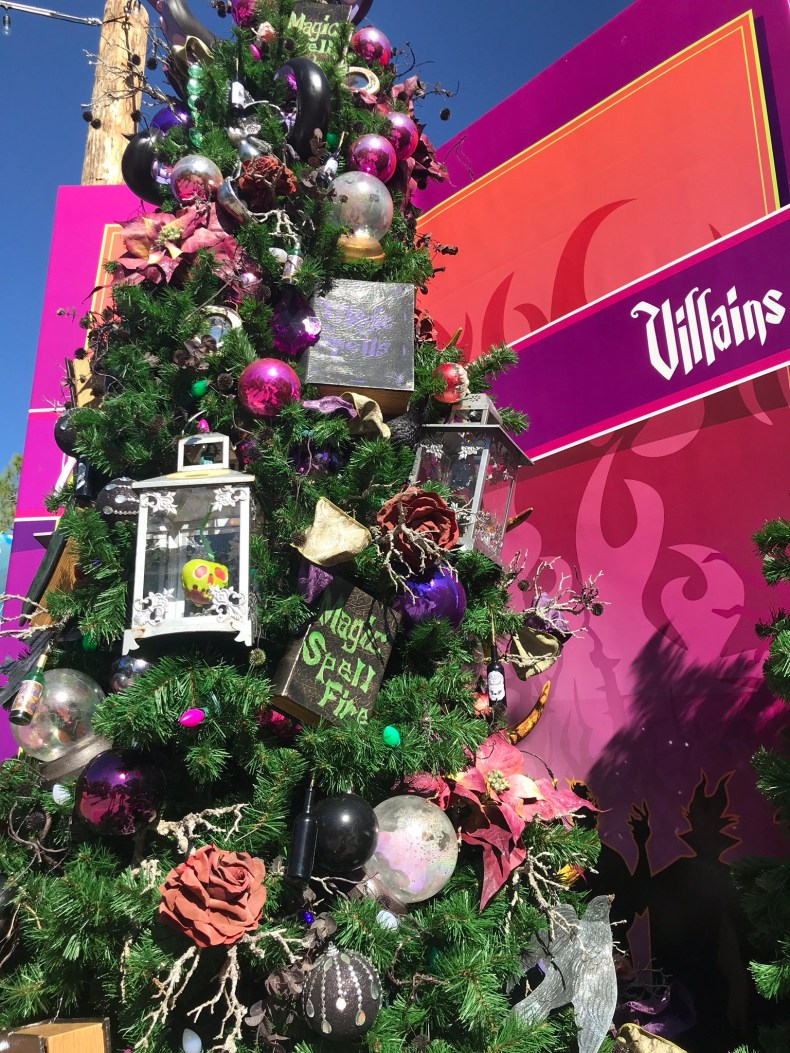 villains christmas tree