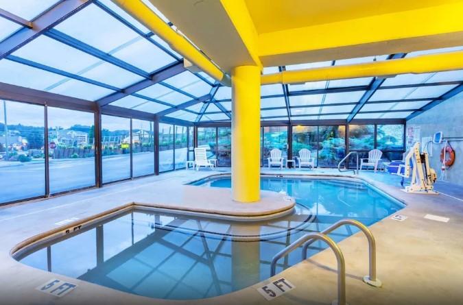 Super 8 By Wyndham Pigeon Forge Indoor Pool
