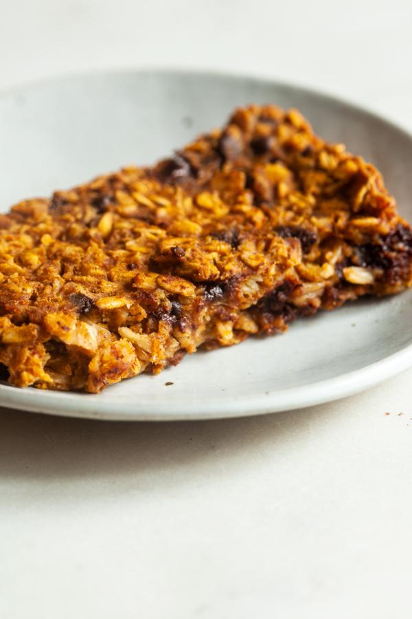 Vegan Pumpkin Chocolate Chip Baked Oatmeal | The Full Helping