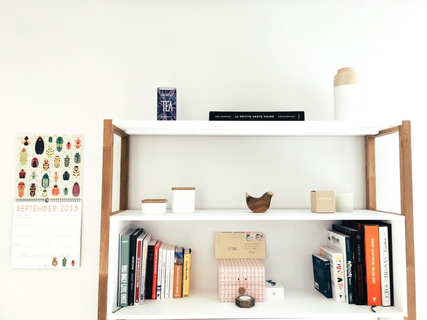 Do you dream of a clutter free clean house? Don't miss these simple habits to keep a clean house every day with hardly any effort at all.