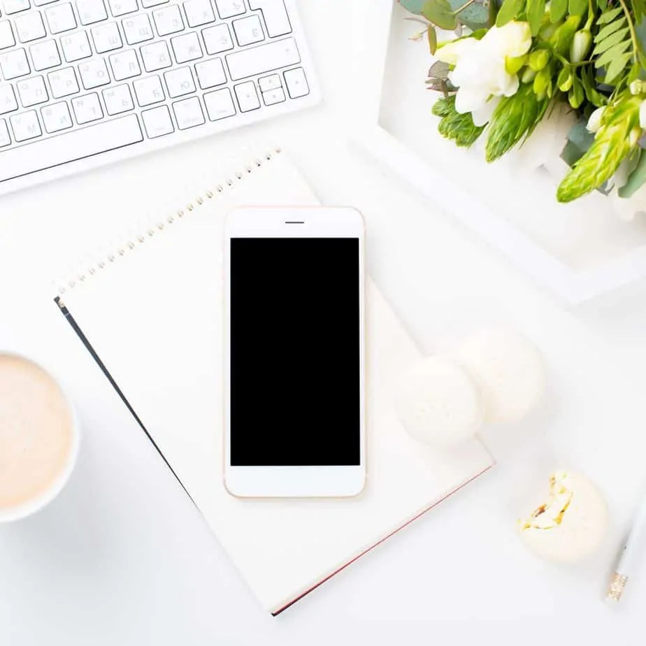 Not sure how to organize your blog content or schedule? Here is a detailed step by step plan from a long term blogger to help you effectively plan content!