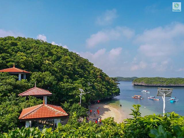 Quezon Island of Hundred Islands