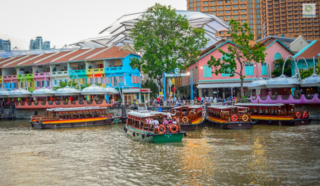The jetties at Clarke Quay.