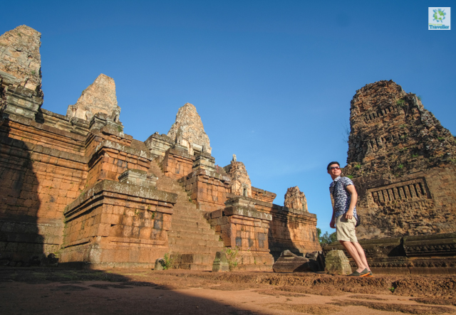 The Fun-sized Traveller at East Mebon.