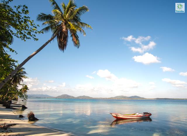 The beach area near campsite at Candaraman Island.