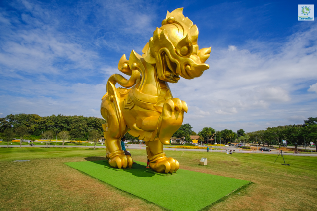 The enormous Singha statue at Singha Park.