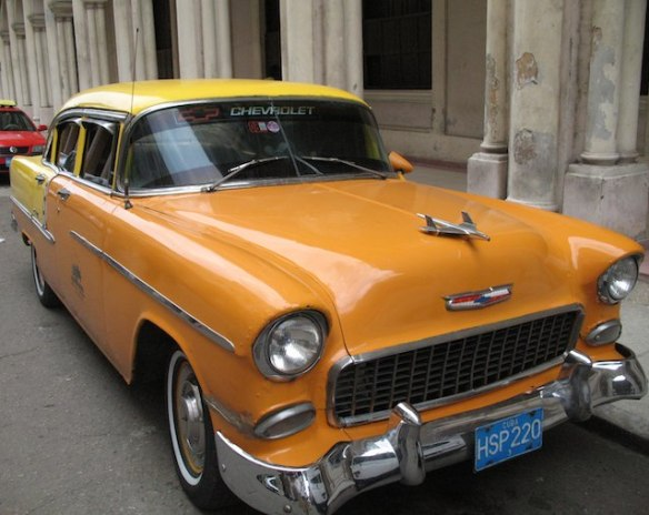 what to expect in Cuba: vintage car