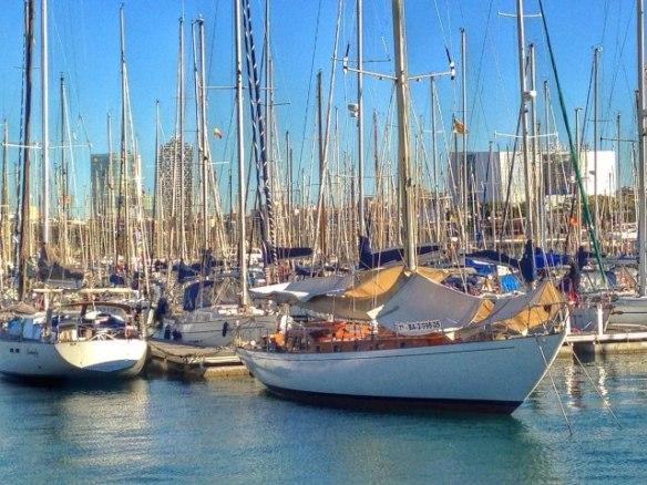 Port Vell. Barcelona sculpture sea