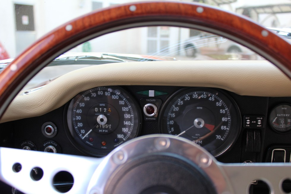 1973 Jaguar E-Type V12 interior gauges