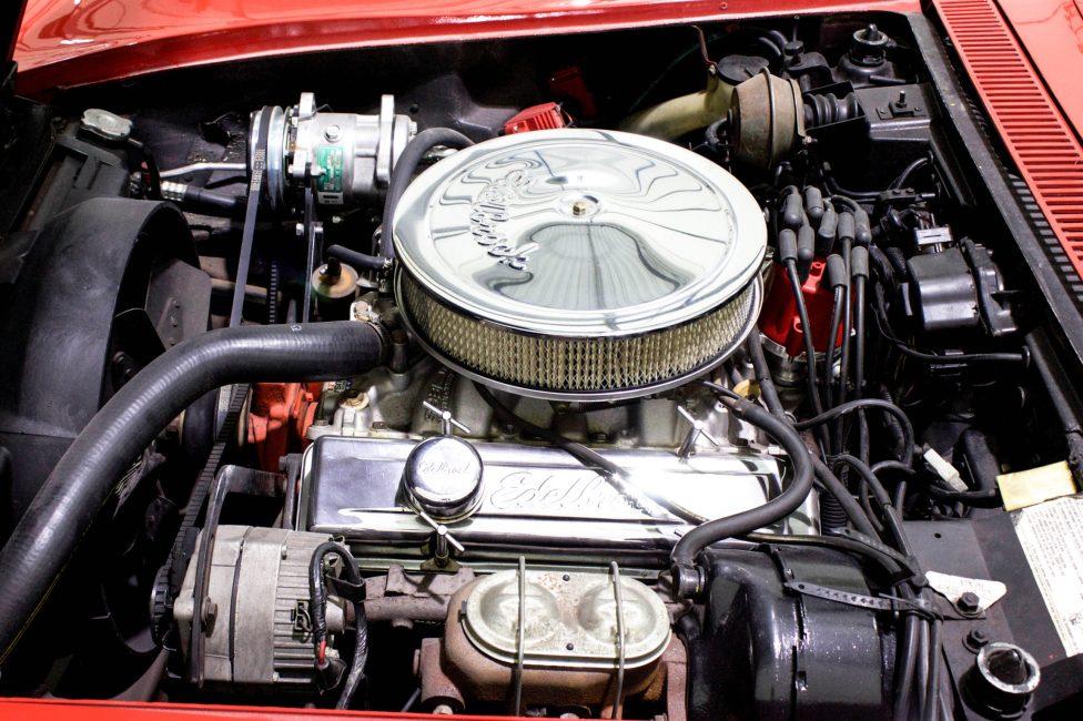 1972 Corvette Stingray Targa motor