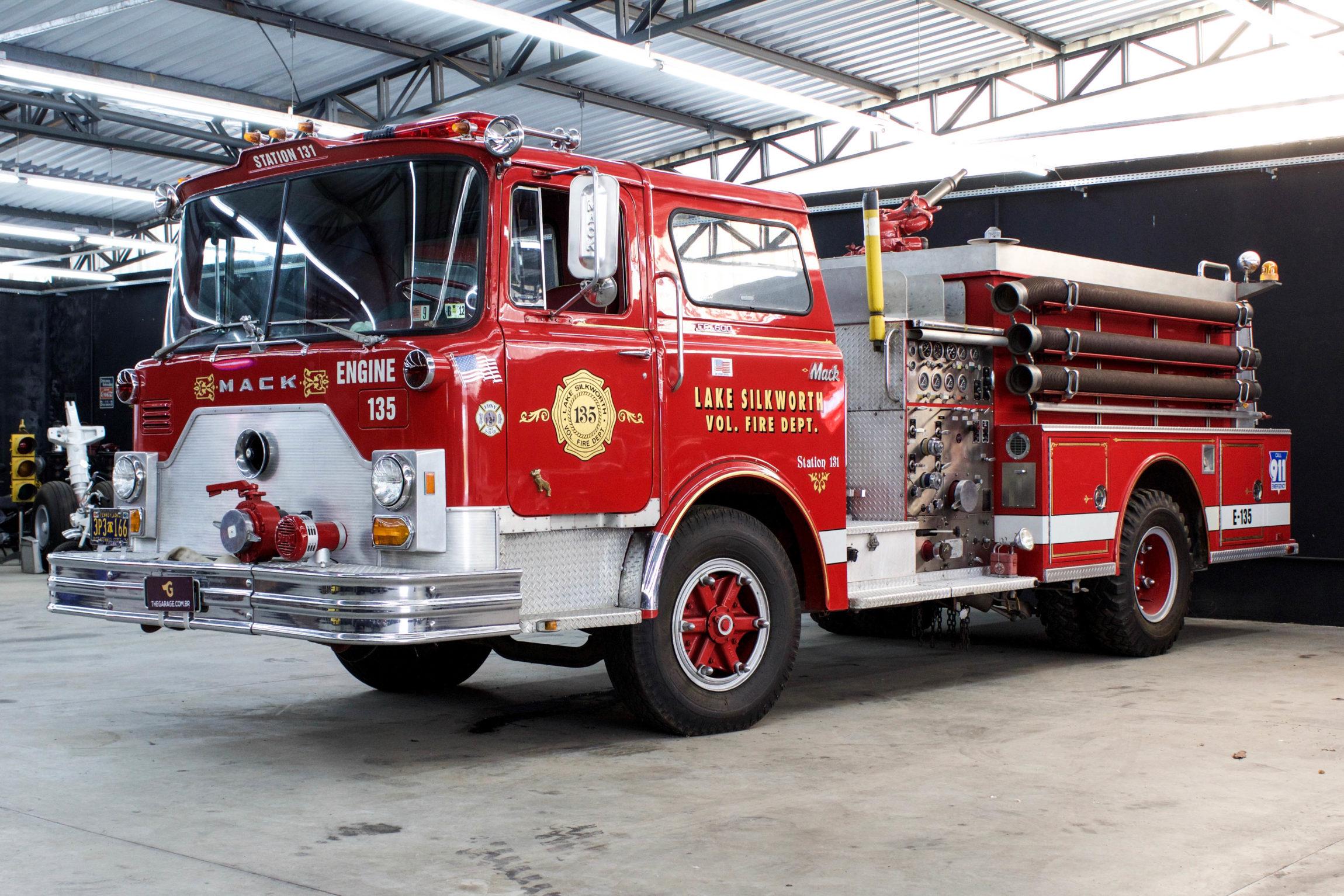 1973 Mack Fire Truck F600