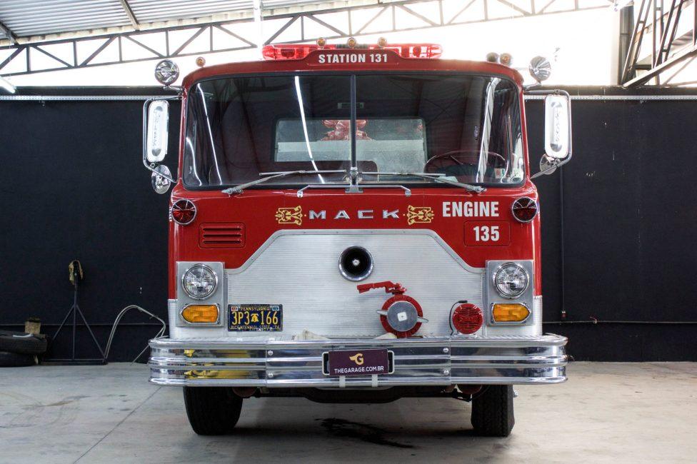 Caminhao de bombeiro antigo