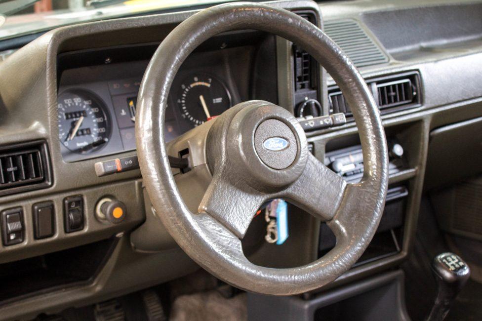 1986 Ford Escort XR3 volante e painel original