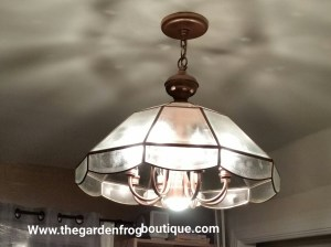 Update a Chandelier with Rustoleum spray paint, Rustoleum Ripple Effect, Rustoleum Copper Hammered spray paint