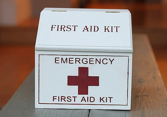 original_wooden-first-aid-box
