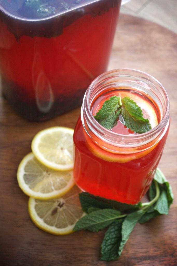 Blackberry, Lemon, Mint Water -- TheGarlicDiaires.com