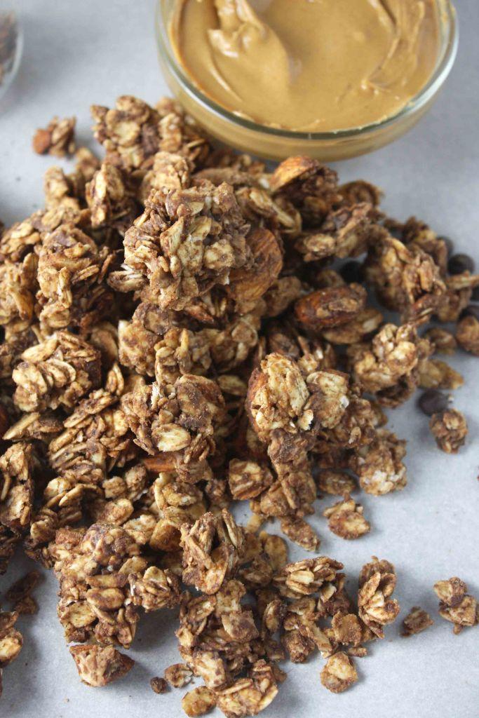Chocolate Peanut Butter Granola -- TheGarlicDiaries.com