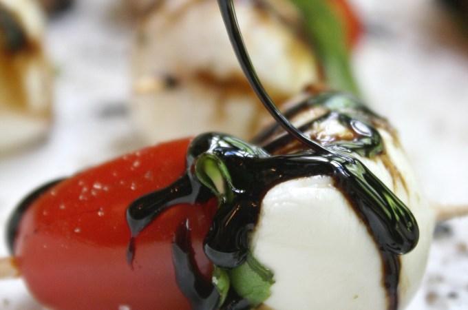 Caprese Salad Bites with Garlic Balsamic Reduction