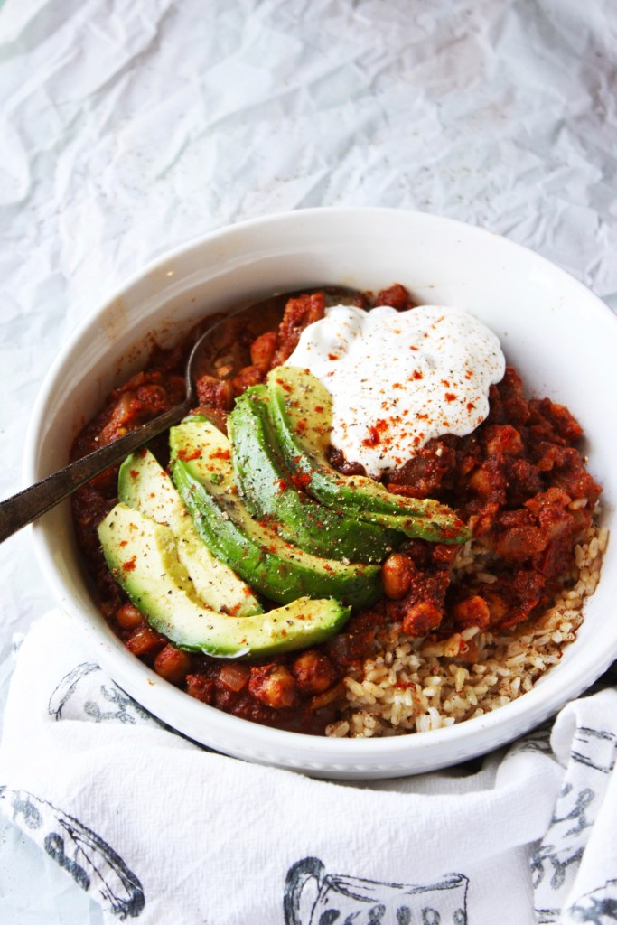 Vegan Chili Stewed Chickpeas - This healthy and simple dish will blow your mind with its mouthwatering flavor! This one is hard to beat. #glutenfree #vegan #vegetarian TheGarlicDiaries.com