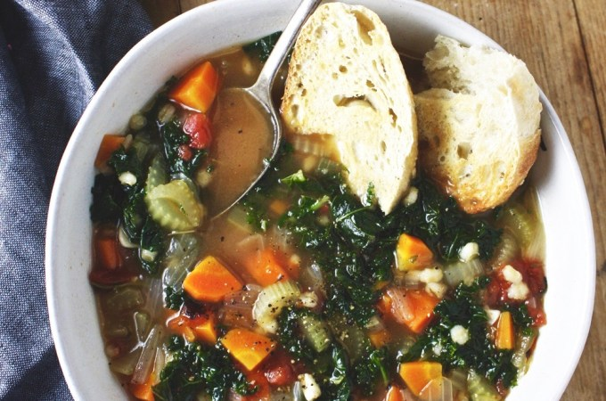 Loaded Vegetable Barley Soup - This hearty vegetable soup is filling and satisfying, but so healthy and easy to make! TheGarlicDiaries.com