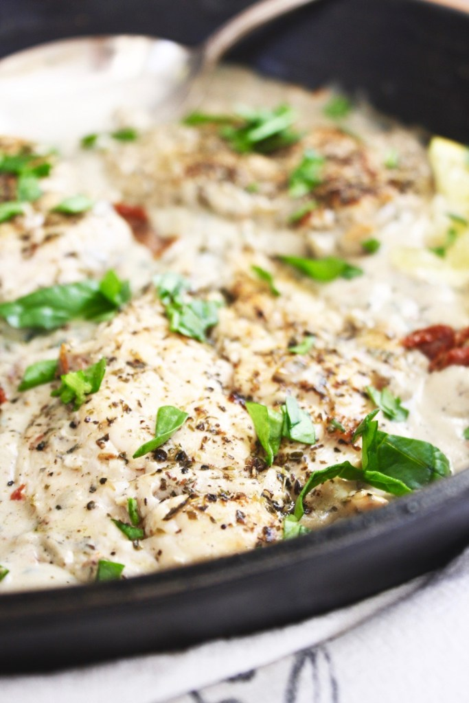 30 Minute Creamy Tuscan Chicken (Dairy Free) - This is one of my all time favorite meals! Comes together in no time, easy to make, and SO creamy and flavorful - you'd never guess it was dairy free! TheGarlicDiaries.com