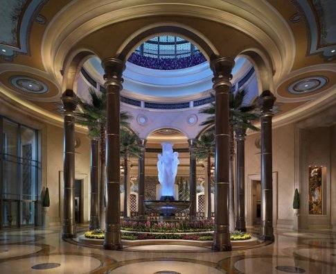 The Palazzo - Lobby fountain