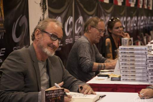 Robert Englund and Lance Henriksen sign autographs