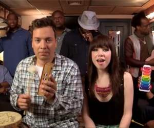 Jimmy Fallon, Carly Rae Jepsen, The Roots sing Call Me Maybe