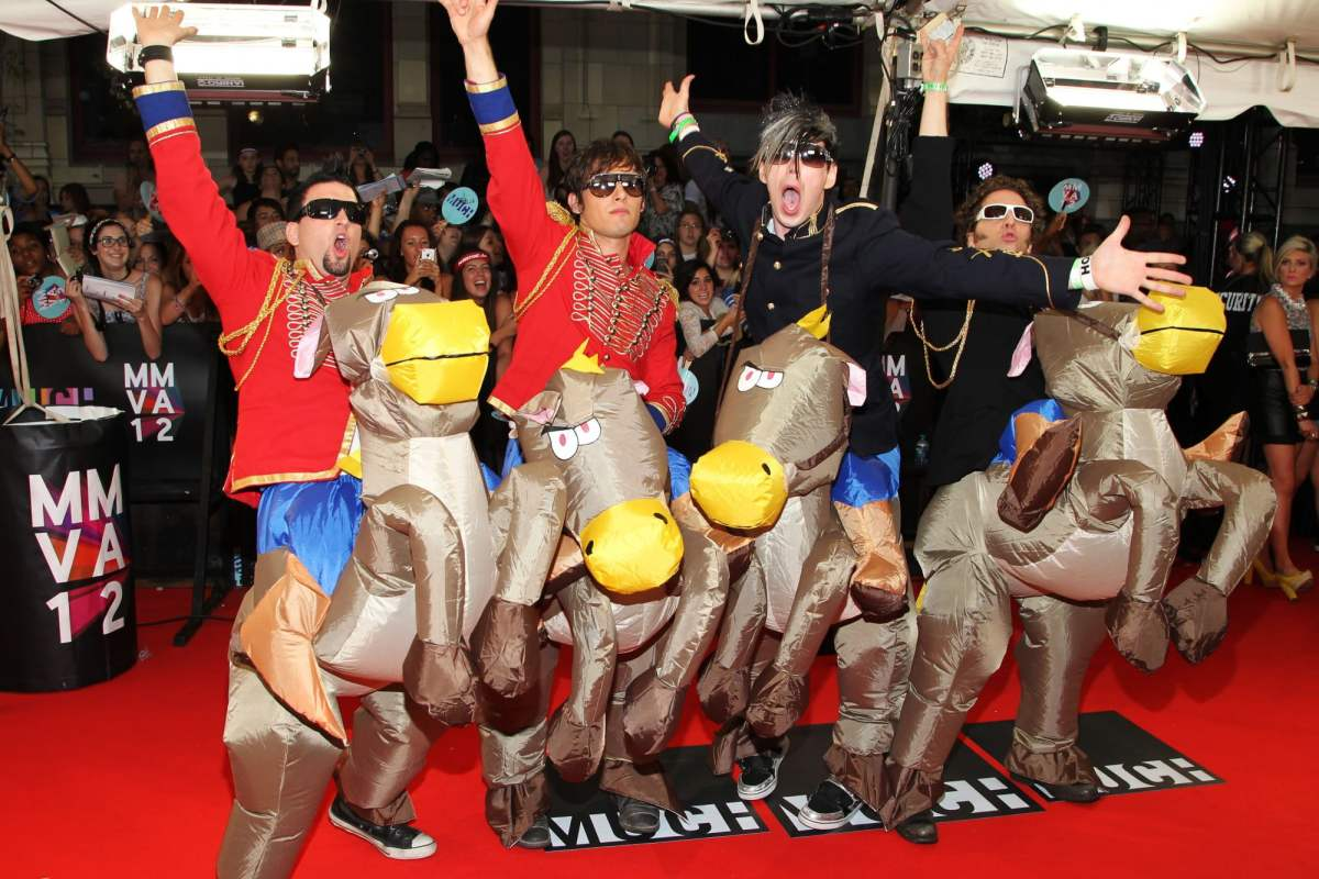 Mariana's Trench at the 2012 MMVAs