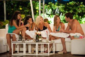 Gabrielle, Ana, Bianka, Tia, Britany and Bachelor Brad