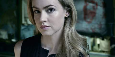 Amanda Schull in 12 Monkeys