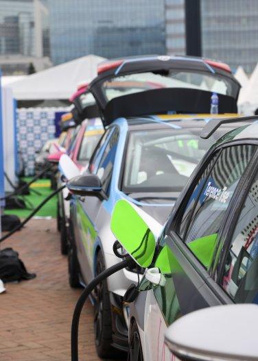 e-touring vehicles charging