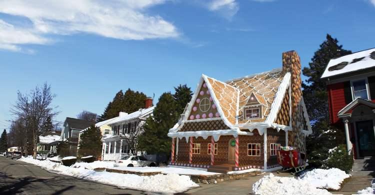 Gingerbread Dream Home