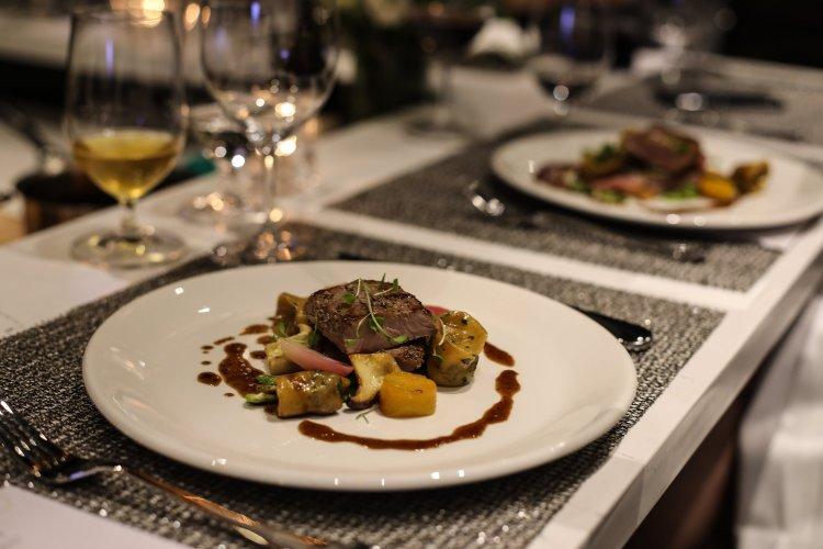 Savoury Restaurant   Westin Harbour Castle