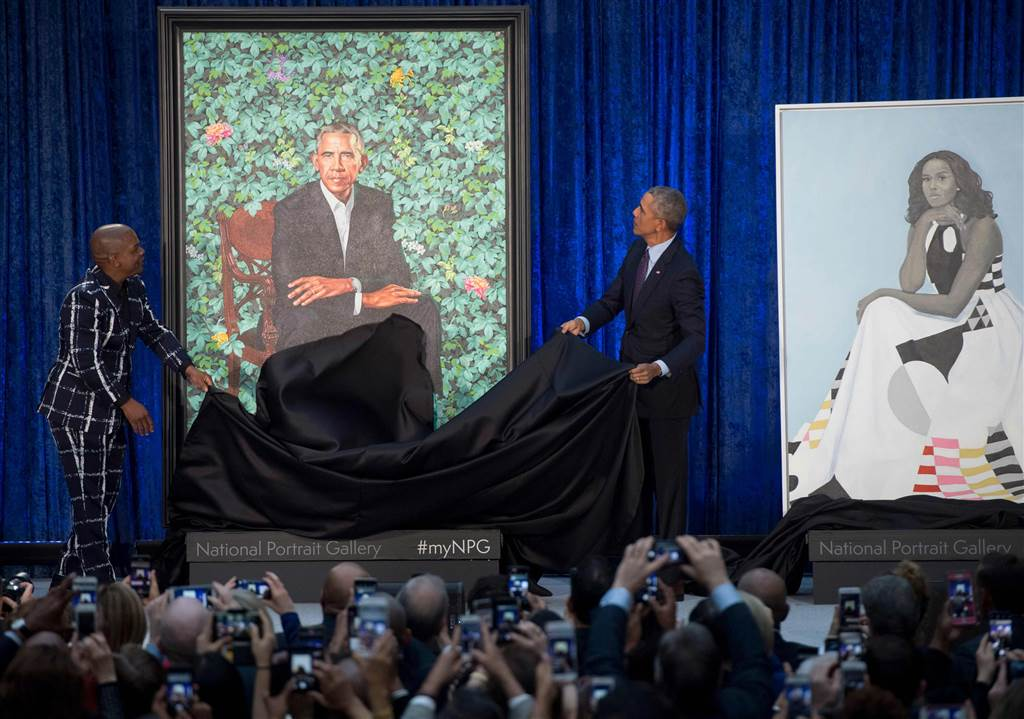 https://i2.wp.com/www.thegatewaypundit.com/wp-content/uploads/180212-barack-obama-portrait-unveil-njs-1049a_610929c575975506b79a4420b6bf8707.nbcnews-ux-1024-900.jpg