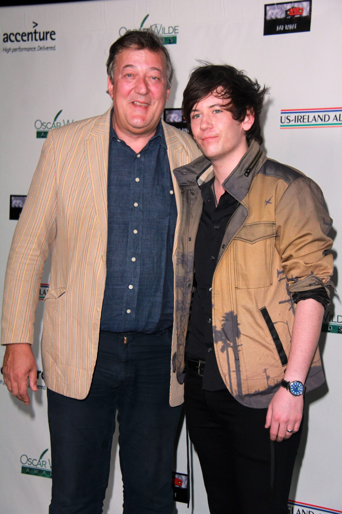 What's the age gap between Stephen Fry and Elliot Spencer