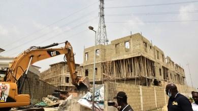 Photo of Lagos Demolishes, Seals Banana Estate Buildings Without Permits + Photos