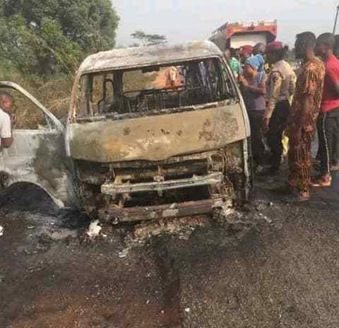 11 Adults, 3 Children Burnt To Death In Lagos-Ibadan Expressway Accident